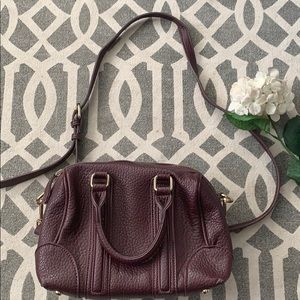 Small/ medium burgundy shoulder bag